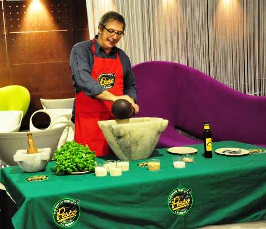 Oktober Pesto – a lezione di pesto con Roberto Panizza