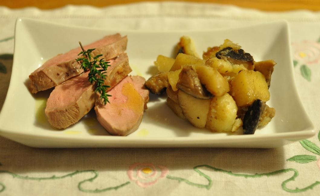 Petto d'anatra, patate e funghi cardoncelli