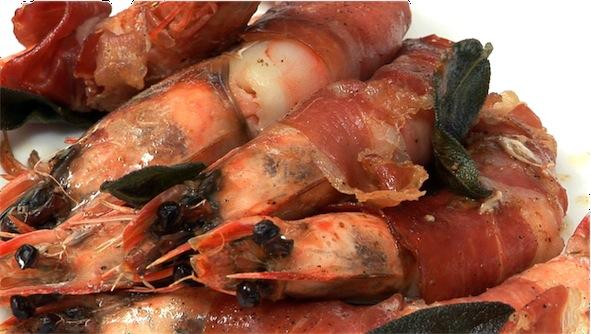 Gamberoni avvolti con prosciutto, lardo o speck