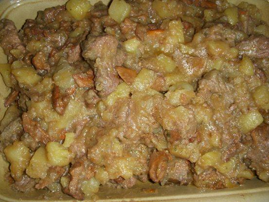 Spezzatino di vitellone con patate e finferli