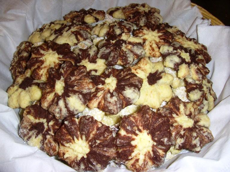 Biscotti al cocco variegati al cacao