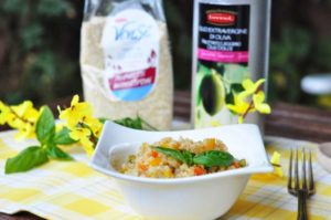 Insalata di quinoa con verdure saltate