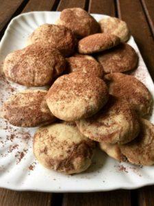 Biscotti variegati alle castagne e al cacao