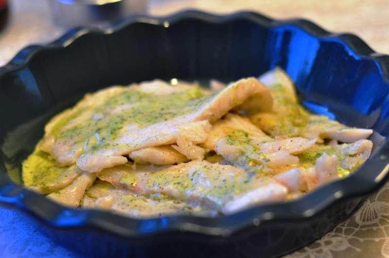 Merluzzo carbonaro, o black cod, con salsa alle erbe aromatiche