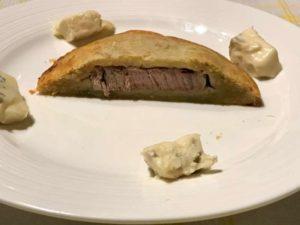 Brisé al Gorgonzola dolce DOP con filetto di vitello