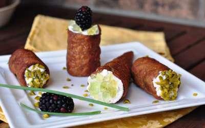 Cannolo salato alla provola e cedro Una libera rielaborazione da una ricetta dello chef Fabrizio Albini