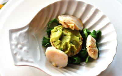 Capasanta con crostino all'avocado