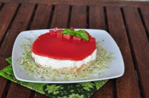 Cheesecake al fiordilatte con gelatina piccante al pomodoro