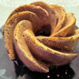 Ciambella di cioccolato e nocciole con Nocciolata bianca di Rigoni di Asiago