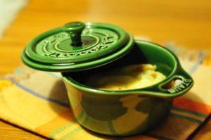 Cocottine di zuppa di cipolle gratinata con Valtellina Casera DOP