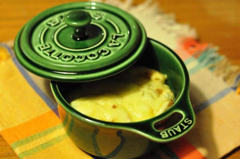 Cocottine di zuppa di cipolle con Valtellina Casera DOP