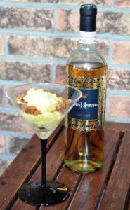 Crema al mascarpone con cantucci al Vin Santo