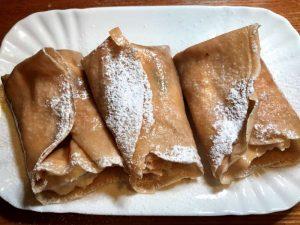 Crepes di farina di castagne con crema di ricotta