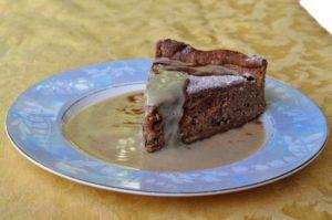 Crostata alle castagne con salsa alla vaniglia e cacao