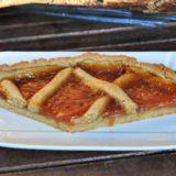 Crostata di farinaccio di riso Carnaroli e farina integrale con confettura Fiordifrutta di albicocche