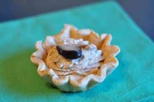 Cestino di pasta Brisée al Parmigiano con crema ai funghi cardoncelli