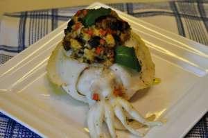 Seppia ripiena di miglio e verdure, gratinata al forno