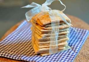 Sfoglie preparate con farina di nocciole e Parmigiano Reggiano 30 mesi