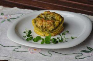 Egg muffin con asparagi selvatici