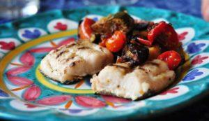 Filetto di nasello grigliato e marinato con verdure di stagione