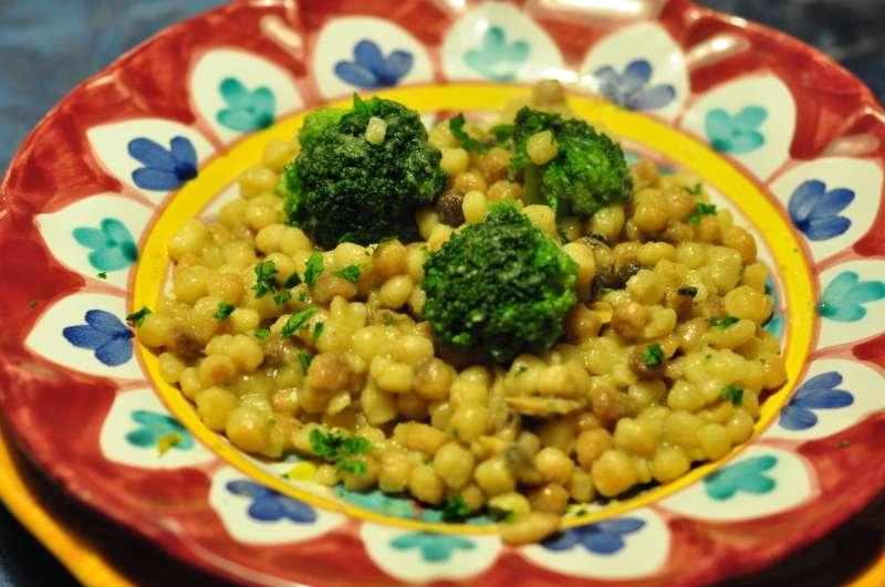 Fregula sarda grande con vongole veraci e broccolo siciliano
