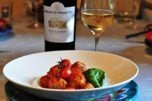 Gnocchetti di melanzane con salsa ai pomodorini arrostiti e vino Ficiligno, Baglio di Pianetto
