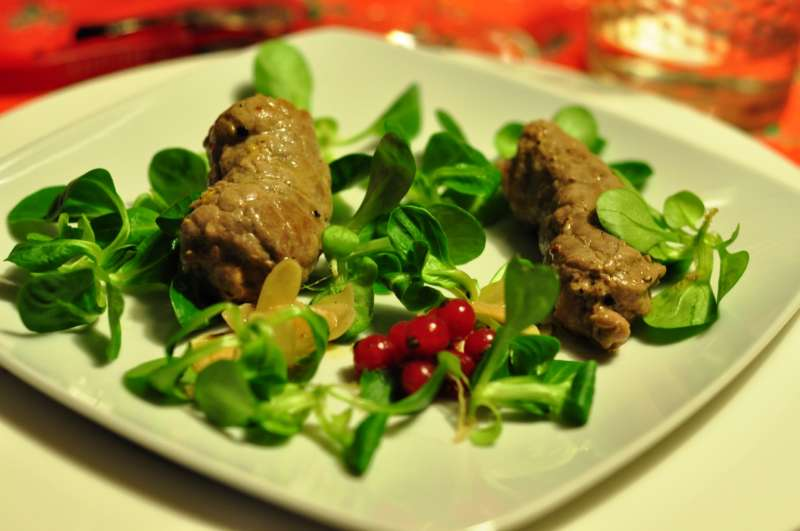 Involtini di vitello con senape rustica, timo ed erba cipollina