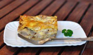 Pasticcio di lasagne con funghi porcini e finferli