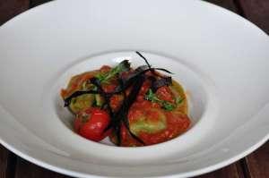 Mezzelune con melanzane e fiordilatte con salsa di pomodorini arrostiti