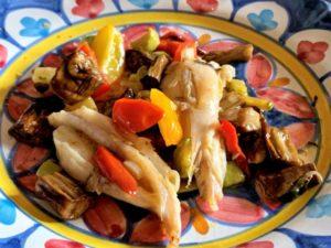 Mini code di rospo con verdure estive