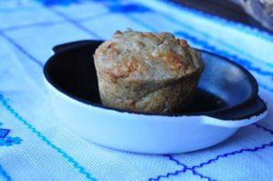Muffin al grano saraceno con salame piccante e Pecorino Romano DOP