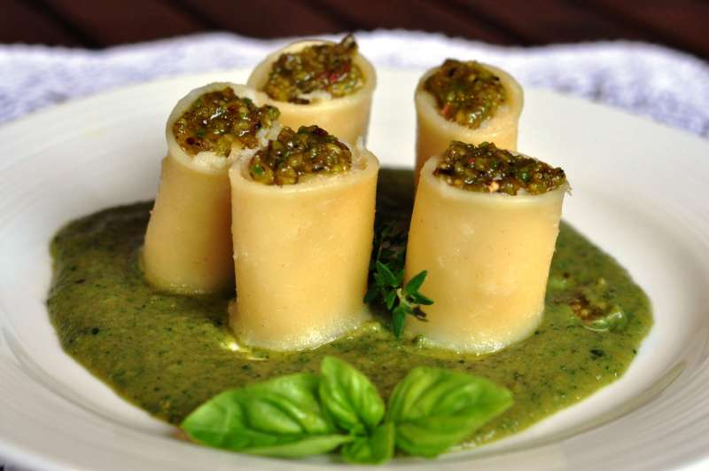 Pàche Felicetti ripiene di gamberetti e merluzzo su crema di zucchine con timo e basilico: un omaggio alla Liguria e ai suoi prodotti con qualche contaminazione