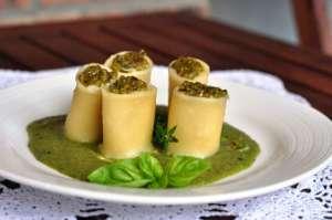 Pàche Felicetti con merluzzo e gamberetti su coulis di zucchine al timo e basilico