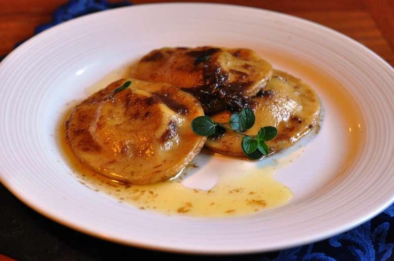 Ravioli di patate e porri al profumo d'acciuga