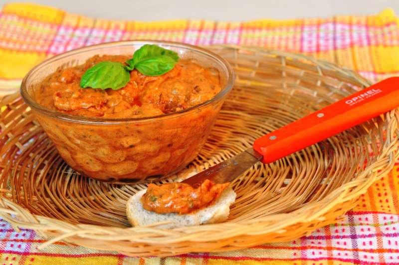 Salsa cremosa di pomodori secchi e yoghurt