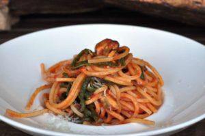 Spaghetto quadrato con fagiolini, cozze e Fiore Sardo DOP
