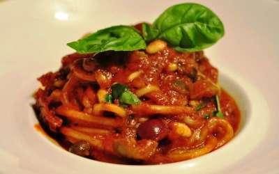 Spaghettoni Benedetto Cavalieri alla puttanesca