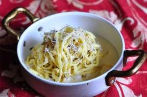 Tajarin al tartufo con fonduta di Parmigiano
