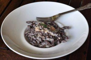 Torchietti all cacao con fonduta di formaggio Asiago DOP