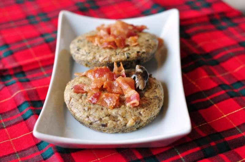 Tortine con funghi e salsiccia piccante