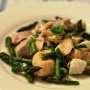 Bocconcini di salmone, tonno e rana pescatrice con asparagina