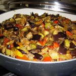 Caponata di melanzane, zucchine e peperoni