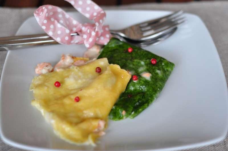 Crêpes con salmone e pepe rosa