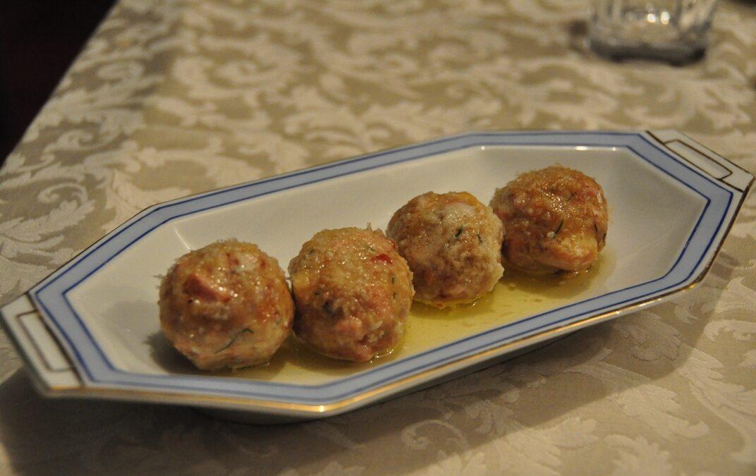 Canederli (gnocchi di pane)