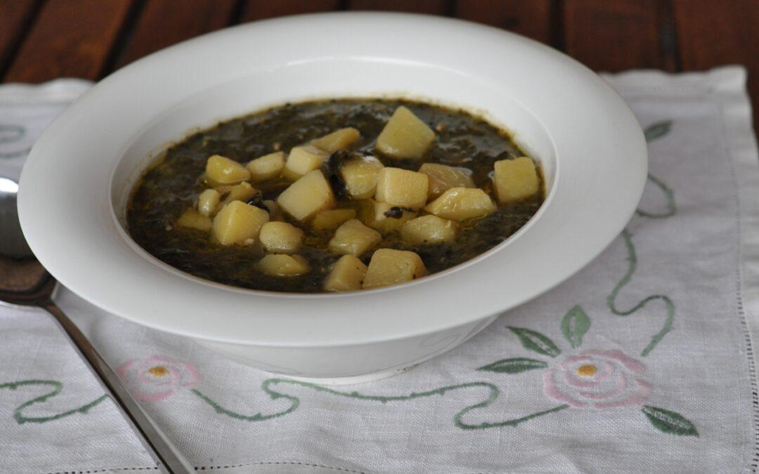 Zuppa di patate e cavolo nero