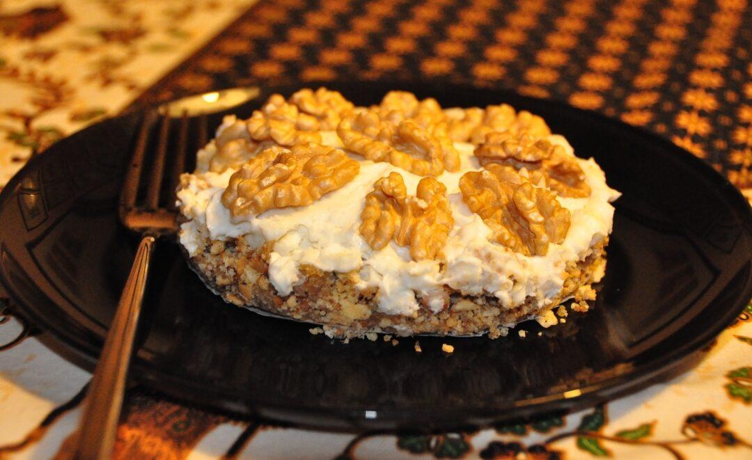 Cheesecake salata al gorgonzola con gherigli di noci