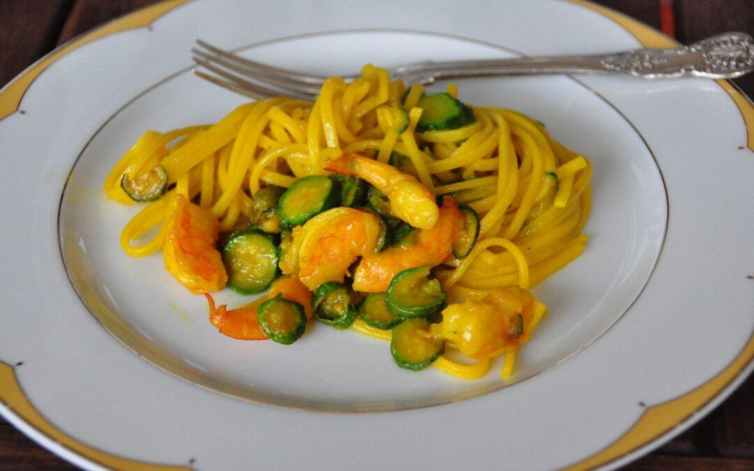 Chitarrone Verrigni con baby zucchine e mazzancolle allo zafferano
