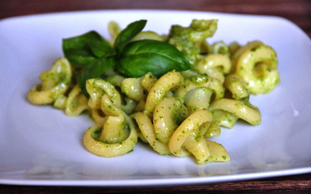 """Coppolone """"Le Gemme del Vesuvio"""" con pesto di zucchine e basilico"""