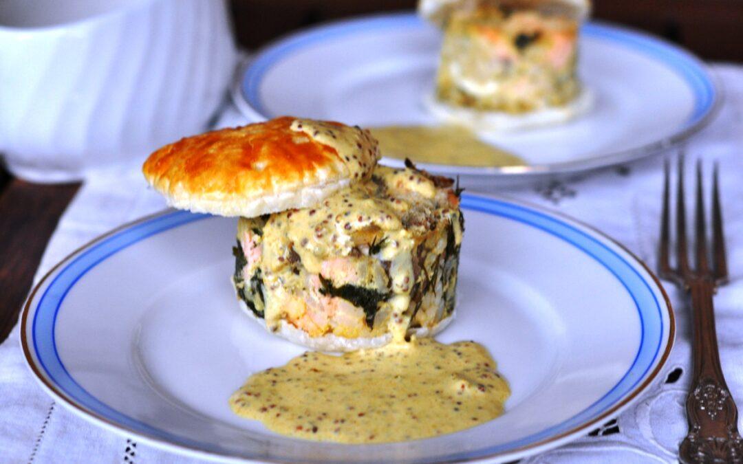 Koulibiac monoporzione di salmone con salsa mostarda al curry