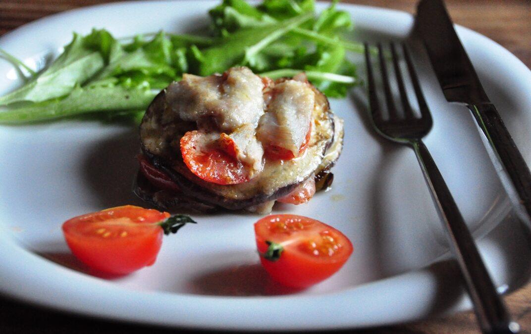 Parmigiana di triglie, liberamente tratta da una ricetta dello  chef Ivano Ricchebono, The Cook, Genova Nervi